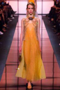 Показ итальянского модельера Джорджо Армани на Неделе моды в Париже