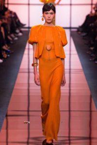 Показ итальянской марки Giorgio Armani на парижской Неделе высокой моды