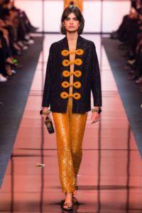 Показ итальянского бренда Giorgio Armani на Неделе моды в Париже