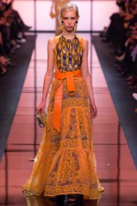 Платья модельера Джорджио Армани 2017