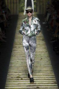 Max Mara показ модной женской одежды весна-лето 2017, Милан