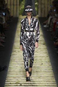 Показ итальянского бренда MaxMara на Неделе моды в Милане