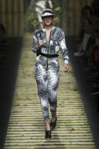 Одежда в спортивном стиле от Макс Мара весна-лето 2017