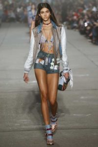 Показ американского бренда Tommy x Gigi на Неделе моды в Нью-Йорке