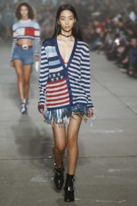 Коллекция бренда Tommy Hilfiger весна-лето 2017 на Неделе моды в Нью-Йорке