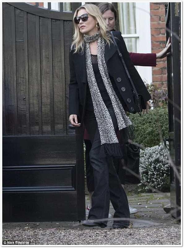 Уличный look Кейт Мосс, фото 2017