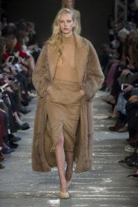 Показ итальянского Дома MaxMara на Неделе моды в Милане