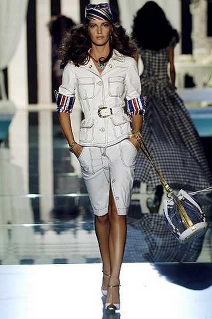 Юбочный костюм сафари от Roberto Cavalli, весна лето 2006