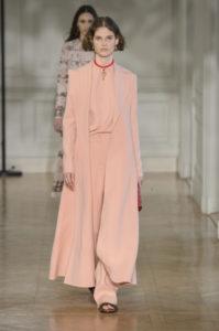 Модные зимние женские пальто от Валентино 2017