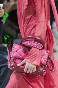 новая коллекция сумок валентино