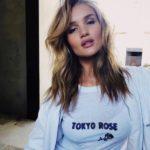 Рози Хантингтон-Уайтли: уличный стиль, новые фото 2018