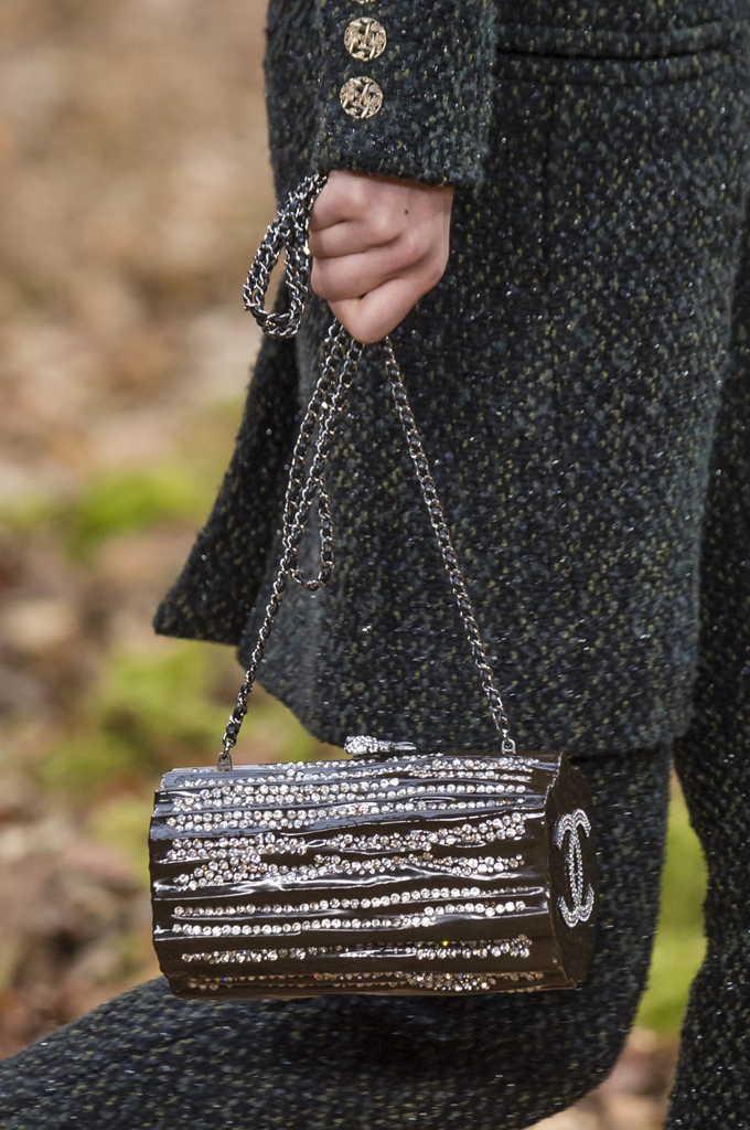 маленькая черная сумка шанель