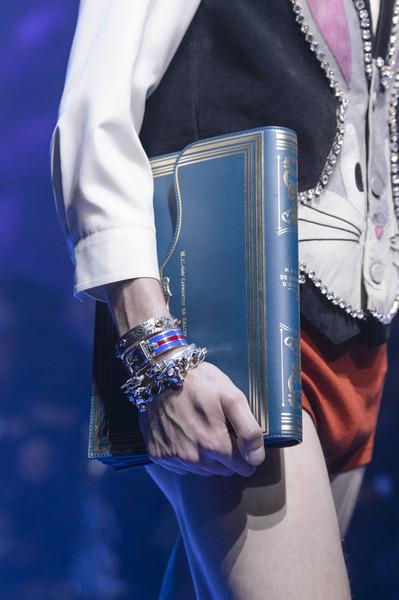 голубая сумка Гуччи