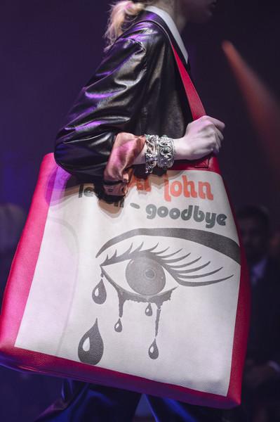 сумка Гуччи с надписями и принтом поп-арт