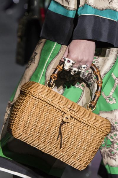 плетеная женская сумка Гуччи