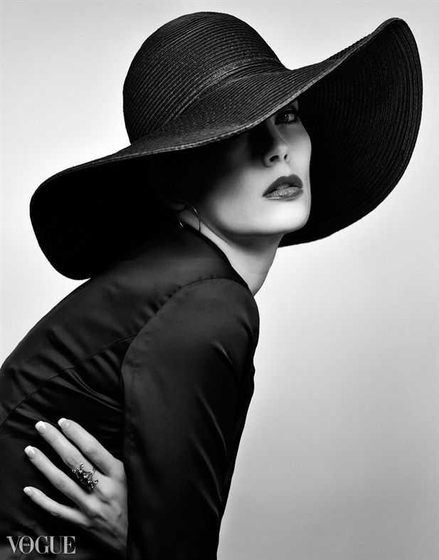 стильный образ с широкополой шляпой