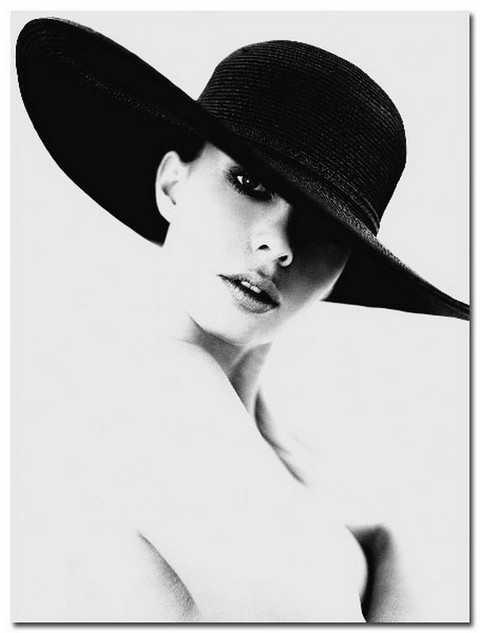 Как носить шляпу с широкими полями, чтобы выглядеть стильно