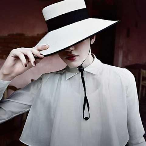 Как носить шляпу с широкими полями, советы стилиста