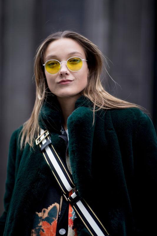 солнечные очки с желтыми линзами