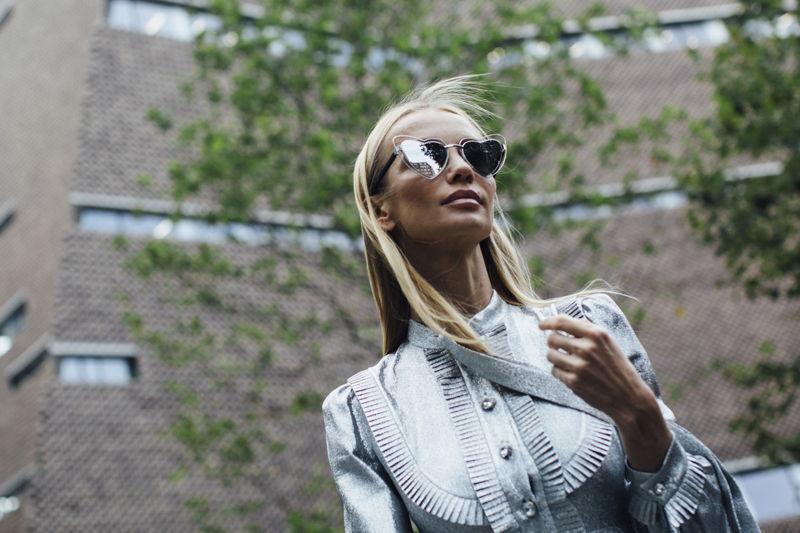 модные женские солнечные очки